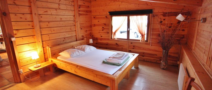 La chambre au rez de chaussé pour  2 couchages avec une literie très confortable.