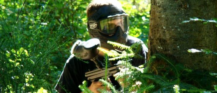 INGLORIOUS PAINTBALL Venez découvrir le paint-ball en forêt ou sur un terrain de compétition professionnelle. Vous serez encadrés par une équipe passionnée et qualifiée. Tous les scénarios sont envisageables de jour comme de nuit.
